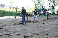 FIERLJEPPEN: JOURE: 27-06-2015, Defect frees van de tractor, ©foto Martin de Jong