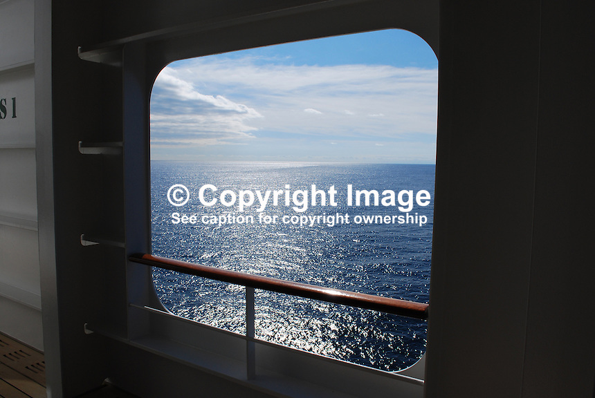 Queen mary 2 victor patterson for Sheltered balcony qm2
