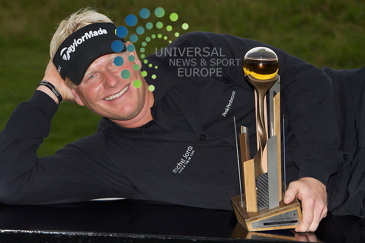 Johnnie Walker Golf Championship 2009 at Gleneagles ..30/08/09..Swede Peter Hedblom Winner of the Johnnie Walker Classic on the 18th, after the FInal Round of the Johnnie Walker Classic Golf Championship..Picture by Mark Davison/ Universal News & Sport