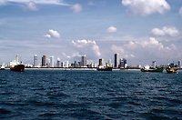 Singpore: Ships with skyline in distance. Photo '83.