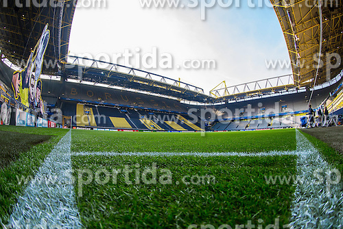18.03.2015, Signal Iduna Park, Dortmund, GER, UEFA CL, Borussia Dortmund vs Juventus Turin, Achtelfinal, R&uuml;ckspiel, im Bild Stadionansicht von der Eckfahne // during the UEFA Champions League Round of 16, 2nd Leg match between Borussia Dortmund and Juventus Turin at the Signal Iduna Park in Dortmund, Germany on 2015/03/18. EXPA Pictures &copy; 2015, PhotoCredit: EXPA/ Eibner-Pressefoto/ Neis<br /> <br /> *****ATTENTION - OUT of GER*****