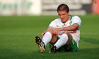 FUSSBALL   INTERNATIONALES TESTSPIEL  SAISON 2011/2012   SV Werder Bremen - Fenerbahce Istanbul               23.08.2011 Aleksandar IGNJOVSKI (Werder Bremen) am Boden