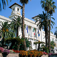Italy, Liguria, Sanremo at Riviera di Ponente: Municipal Casino Sanremo | Italien, Ligurien, Sanremo an der Riviera di Ponente und Hauptort der Riviera dei Fiori (Blumenriviera): das Casino Sanremo