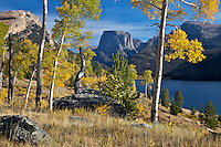 Fall colors, Green River Lake, Wind River Mountains, Pinedale, Wyoming