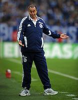 FUSSBALL   1. BUNDESLIGA   SAISON 2011/2012    11. SPIELTAG FC Schalke 04 - 1899 Hoffenheim                            29.10.2011 Trainer Huub STEVENS (Schalke)