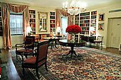 Washington, D.C. - January 10, 2007 -- The Library in the White House residence is shown in a December 21, 2006, photo released on Wednesday, January 10, 2007.  Recent improvements were overseen by Mrs. Bush and made with.support of the White House Historical Association and include new drapes and fabrics. .Credit: Shealah Craighead-White House via CNP