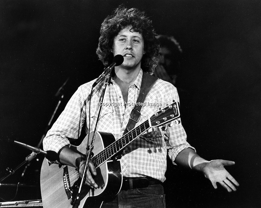 Folk singer Arlo Guthrie 1981 photo<br />