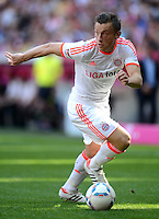 FUSSBALL   1. BUNDESLIGA  SAISON 2011/2012   33. Spieltag FC Bayern Muenchen - VfB Stuttgart       28.04.2012 Ivica Olic (FC Bayern Muenchen)  am Ball