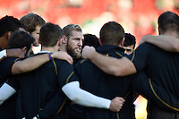 James Haskell of Wasps speaks to his team-mates in a huddle during the pre-match warm-up. Aviva Premiership match, between Leicester Tigers and Wasps on November 1, 2015 at Welford Road in Leicester, England. Photo by: Patrick Khachfe / Onside Images
