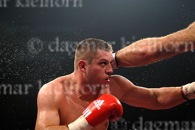 Nikolai Valuev  (Russia) wins vs Sergey Liakhovich (Belarus)<br />