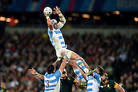 Juan Manuel Leguizamon of Argentina wins the ball at a lineout. Rugby World Cup Bronze Final between South Africa and Argentina on October 30, 2015 at The Stadium, Queen Elizabeth Olympic Park in London, England. Photo by: Patrick Khachfe / Onside Images