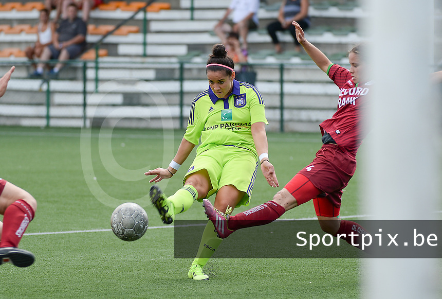 20150808 - ZULTE , BELGIUM : Anderlecht's Pauline Crammer pictured during a friendly soccer match between the women teams of Zulte-Waregem and RSC Anderlecht  , during the preparations for the 2015-2016 SUPERLEAGUE season, Saturday 8 August 2015 . PHOTO DAVID CATRY