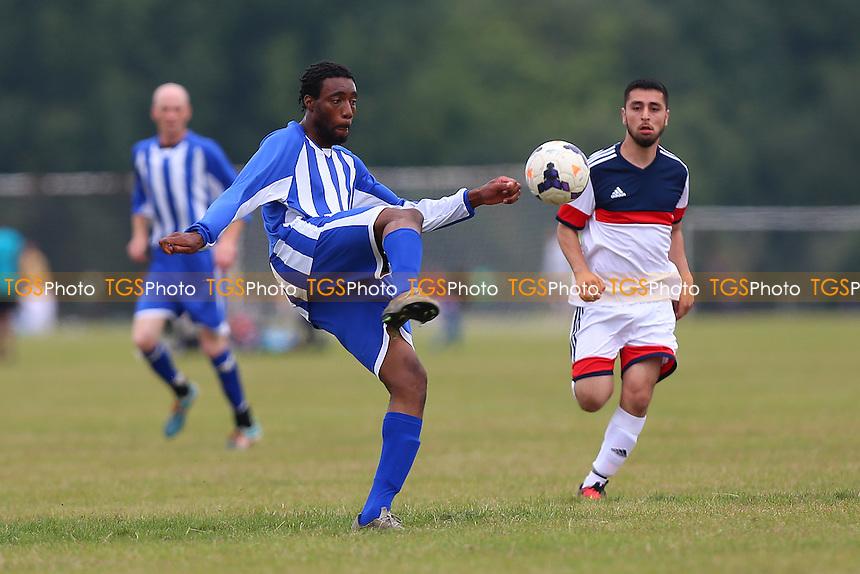 Athletico Forest (blue/white) vs Hacquenye, Hackney & Leyton Sunday League Football at Hackney Marshes on 18th September 2016