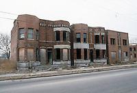 1985 February ..Redevelopment.Huntersville 1&2 (R-70)..PROGRESS VIEW.623-627 PRINCESS ANNE ROAD..NEG#.NRHA#..