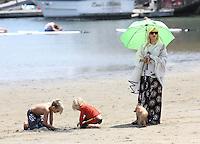 Gwen Stefani with her sons in Malibu Beach - Los Angeles