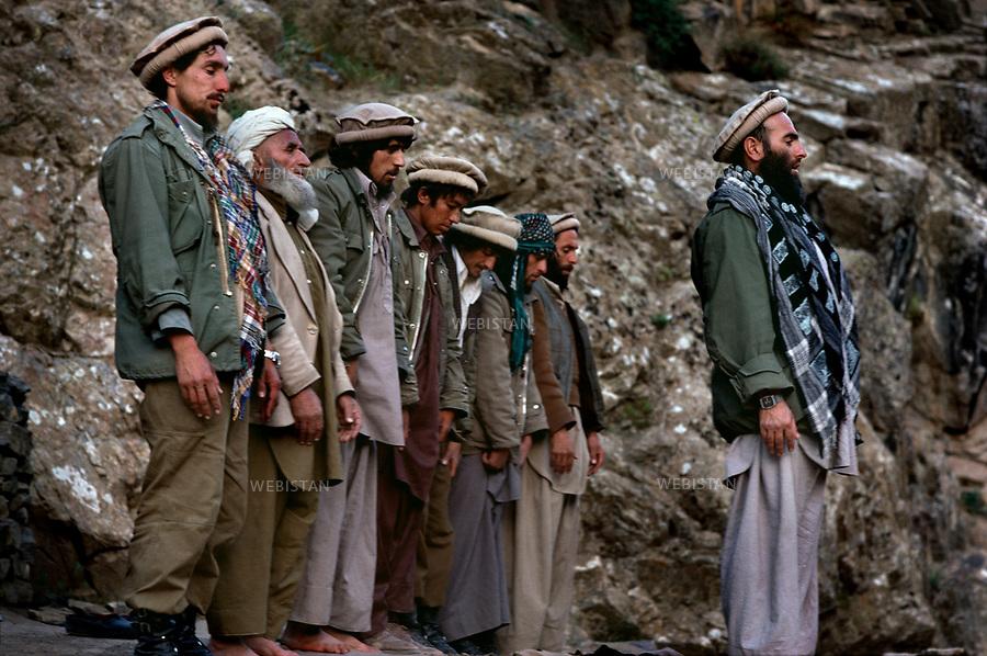 Afghanistan. Panjshir Valley. 1985. Commander Massoud (1953-2001) during the Soviet invasion of Afghanistan (1979-1989). <br /> <br /> Afghanistan. Vall&eacute;e du Panjshir. 1985. Commandant Massoud (1953-2001) pendant la guerre d'Afghanistan (1979-1989).