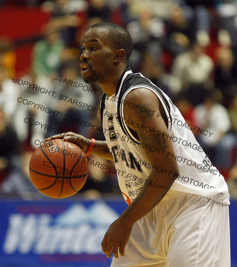 Kosarka, NLB League, sezona 2009-2010.Partizan Vs. Hemofarm (Vrsac).Lester McCalebb.Beograd, 25.10.2009.foto: Srdjan Stevanovic/Starsportphoto ©