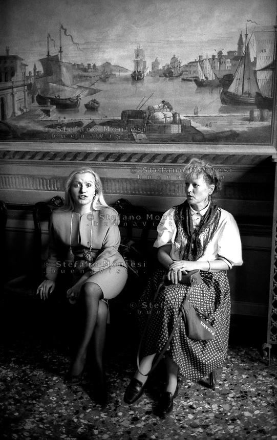 VENEZIA  INAUGURAZIONE DELLA SEDE DEL GOVERNO PADANO  16 SETTEMBRE 1997..NELLA FOTO:L'INTERNO DELLA SEDE DEL GOVERNO PADANO..FOTO STEFANO MONTESI