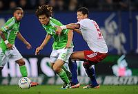 FUSSBALL   1. BUNDESLIGA   SAISON 2011/2012    10. SPIELTAG Hamburger SV - VfL Wolfsburg                                22.10.2011 Koo JA-CHEOUL (li, Wolfsburg) gegen Jefrrey BRUMA (re, Hamburg)
