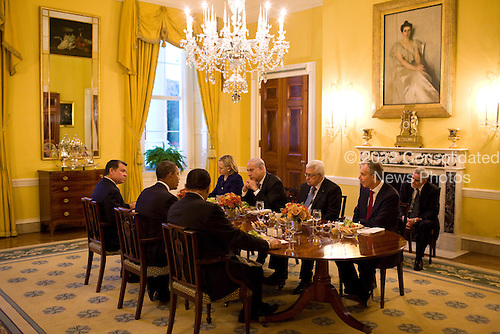 United States President Barack Obama holds a working dinner with, clockwise from left, President Hosni Mubarek of Egypt, King Abdullah II of Jordan, Secretary of State Hillary Clinton, George Mitchell, Special Envoy for Middle East Peace, Prime Minister Benjamin Netanyahu of Israel, President Mahmoud Abbas of the Palestinian Authority, and Tony Blair, the international Middle east envoy and former British Prime Minsiter, in the Old Family Dining Room of the White House, Wednesday, September 1, 2010. .Mandatory Credit: Pete Souza - White House via CNP