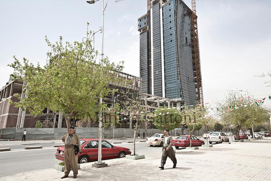 Iraq - Kurdistan - Sulaymaniyah -   Salem street