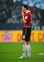 FUSSBALL   1. BUNDESLIGA   SAISON 2012/2013    18. SPIELTAG FC Schalke 04 - Hannover 96                           18.01.2013 Mario Eggimann (Hannover 96)  ist nach dem Abpfiff enttaeuscht