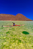 Sea kayaking in El Cardonal Bay, Isla Espiritu Santo, Sea of Cortes, Baja California Sur, Mexico