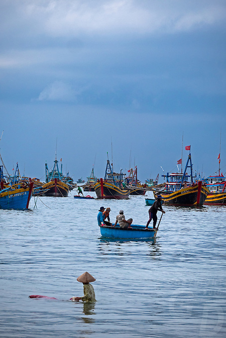 Vietnam with its coastline spanning over 3000km Vietnam is an ideal country to boast a strong seafood industry, including both aquaculture and open ocean fishing. Mũi N&eacute; is a coastal fishing town in the B&igrave;nh Thuận Province of Vietnam. The town, with approximately 25,000 residents is a ward of the city of Phan Thiết. <br /> <br /> Environmental impact on Overfishing:<br /> If no action is taken, in three decades shrimp will be more than three times as expensive, tuna and mackerel will be nearly six times, and grouper will be almost nine times, as expensive. These numbers will have severe economic consequences if nothing is done as fish protein comprises more than 22 percent of the average Asian diet. If such fishing continues unabated, not only will prices rise of food that is essential for the region, but the livelihoods of tens of millions of people involved in the industry whether it be the actual fishing or the processing of caught seafood, are at risk of finding themselves without work.<br /> A Known Problem<br /> Overfishing in East Asia is not a new problem and in the South China Sea, has been known for some time. The problem is multi-faceted. Fish are being caught too young limiting chances for population regrowth and replenishment of fish stocks. As a result, the fish that are being caught are smaller necessitating a greater haul thus reducing the population even further.