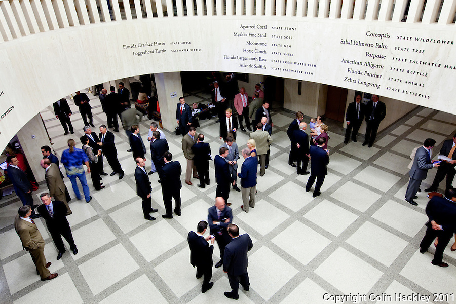 TALLAHASSEE, FLA. 5/6/11-SESSIONEND050611 CH-Lobbyists, staff, lawmakers and visitors in the fourth floor rotunda during the last day of the regularly scheduled session, Friday at the Capitol in Tallahassee..COLIN HACKLEY PHOTO