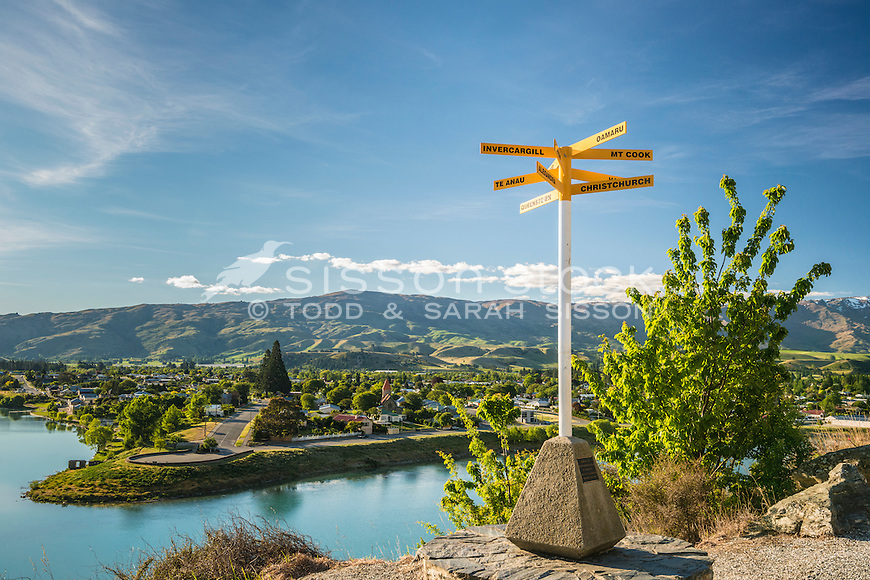 Cromwell Lookout, Lake Dunstan, South Island, New Zealand - stock photo, canvas, fine art print