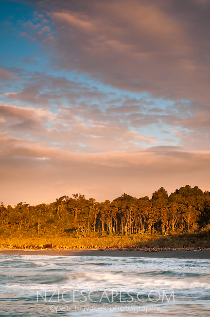 Sunset over Gillespies Beach, Westland Tai Poutini National Park, UNESCO World Heritage Area, West Coast, New Zealand, NZ