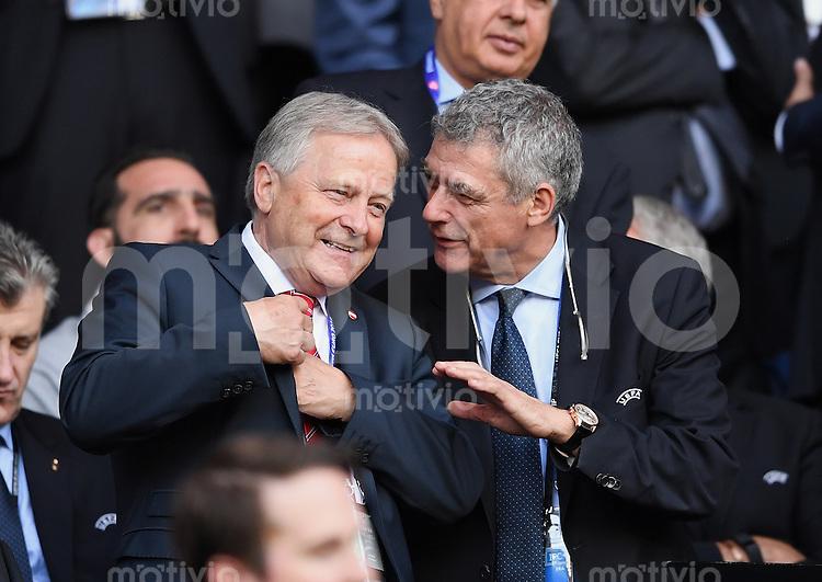 FUSSBALL EURO 2016 GRUPPE F in Paris Portugal - Oesterreich      18.06.2016 OEFB Praesident Dr. Leo Windtner (li, Oesterreich) und UEFA Interimspraesident Angel Maria Villar llona (re, Spanien)