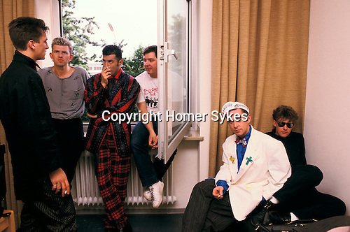 FRANKIE GOES TO HOLLYWOOD WITH PHOTOGRAPHER ANTON CORBIJN AND MANAGER TONY,