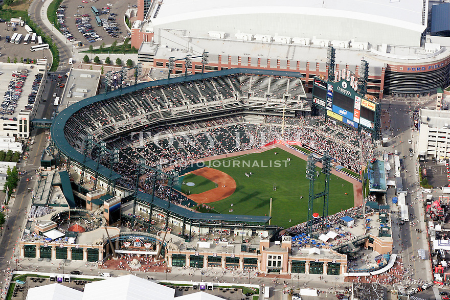 Pin detroit tigers comerica park photo mural wallpaper on for Baseball stadium mural wallpaper