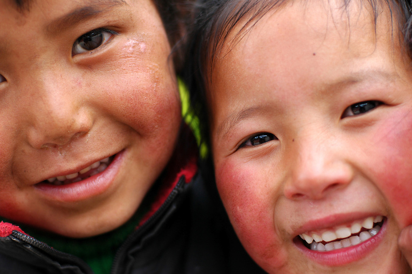 Tibetan children in Dege - March 20, 2008 - Michael Benanav