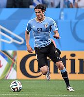 FUSSBALL WM 2014  VORRUNDE    GRUPPE D     Uruguay - England                     19.06.2014 Edinson Cavani (Uruguay) am Ball