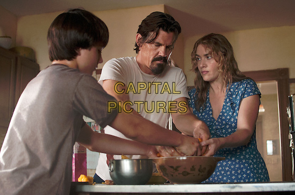 Gattlin Griffith, Josh Brolin, Kate Winslet <br /> in Labor Day (2013) <br /> (Last Days of Summer)<br /> *Filmstill - Editorial Use Only*<br /> CAP/NFS<br /> Image supplied by Capital Pictures