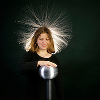 VAN DE GRAAFF GENERATOR: HAIR STANDING ON END<br />