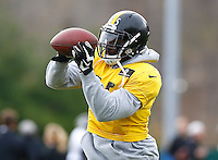 Arthur Moats #55 of the Pittsburgh Steelers practices at the south side practice facility on November 18, 2015 in Pittsburgh, PA.