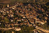Europe/France/Aquitaine/24/Dordogne/Vallée de la Dordogne/Périgord Noir/Domme: le village - Vue aérienne