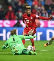 FUSSBALL  1. BUNDESLIGA  SAISON 2015/2016  24. SPIELTAG FC Bayern Muenchen - 1. FSV Mainz 05       02.03.2016 Kingsley Coman (FC Bayern Muenchen) gegen Torwart Loris Karius (1. FSV Mainz 05)