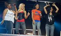 Kellie Pickler Kat McPhee<br /> Idol American Concert By<br /> Jonathan L Green