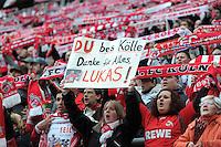 FUSSBALL   1. BUNDESLIGA  SAISON 2011/2012   34. Spieltag 1. FC Koeln - FC Bayern Muenchen        05.05.2012 Koeln Fans verabschieden Lukas Podolski (1. FC Koeln) mit einem Plakat; DU bes Koelle, Danke fuer Alles, Lukas!