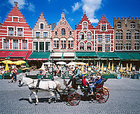Belgium, West-Flanders, Bruges: Restaurants in the Market Square | Belgien, Westflandern, Provinzhauptstadt Bruegge: Restaurants am Marktplatz - Grote Markt