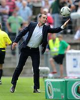 FUSSBALL   DFB POKAL   SAISON 2011/2012  1. Hauptrunde SpVgg Unterhaching - SC Freiburg             31.07.2011 Trainer Heiko Herrlich (Unterhaching)