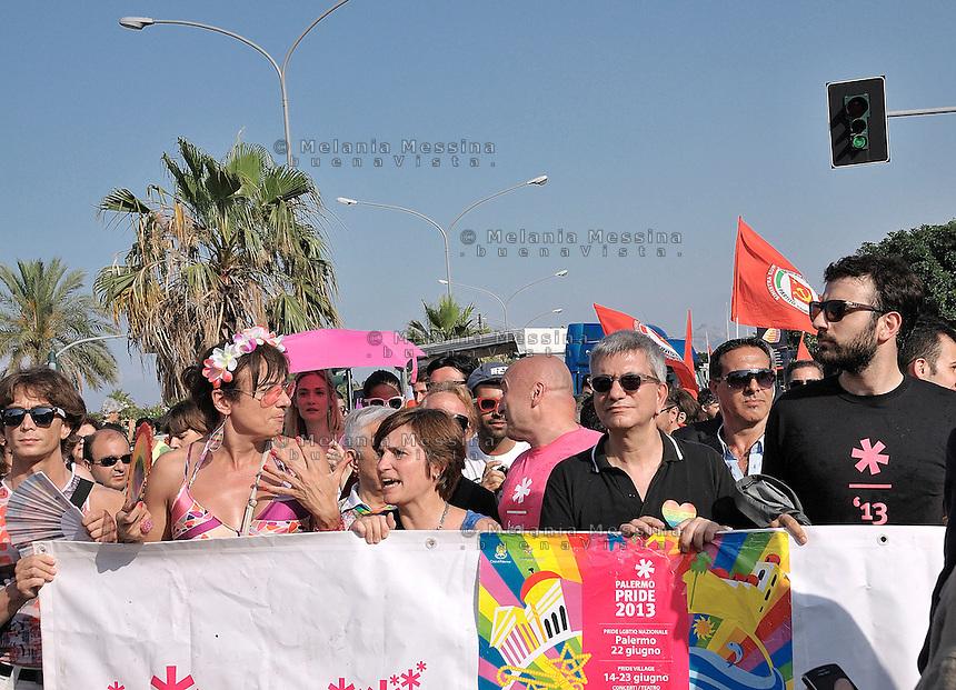Parata del gay pride a Palermo, Nichi Vendola; Vladimir Luxuria; Titti De Simone.<br /> Gay pride parade in Palermo, Nichi Vendola; Vladimir Luxuria; Titti De Simone.