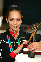 Irina Tchachina of Russia wins Longines Prize for Elegance at World Championships at Baku, Azerbaijan on October 8, 2005. (Photo by Tom Theobald)