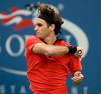 Roger Federer (SUI) (1) against Tommy Robredo (ESP) (14) in the fourth round. Federer beat Robredo 7-5 6-2 6-2..International Tennis - US Open - Day 8 Mon 07 Sep 2009 - USTA Billie Jean King National Tennis Center - Flushing - New York - USA ..© Frey Images, Barry House 20-22 Worple Road, London, SW19 4DH..Tel - +44 208 947 0100.Cell - +44 7843 383 012