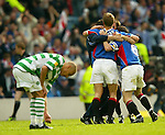 Scottish Cup Final 2002, Rangers do a huddle as Henrik Larsson is gutted