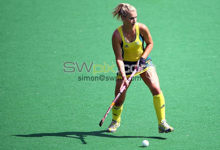 PICTURE BY VAUGHN RIDLEY/SWPIX.COM - Hockey - XIX Commonwealth Games - Women's Semi-Finals, England v Australia, Major Dhyan Chand National Stadium, New Dehli, India - 11/10/10...Copyright - Simon Wilkinson - 07811267706...Australia's Kate Hollywood.